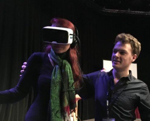 Celine in VR